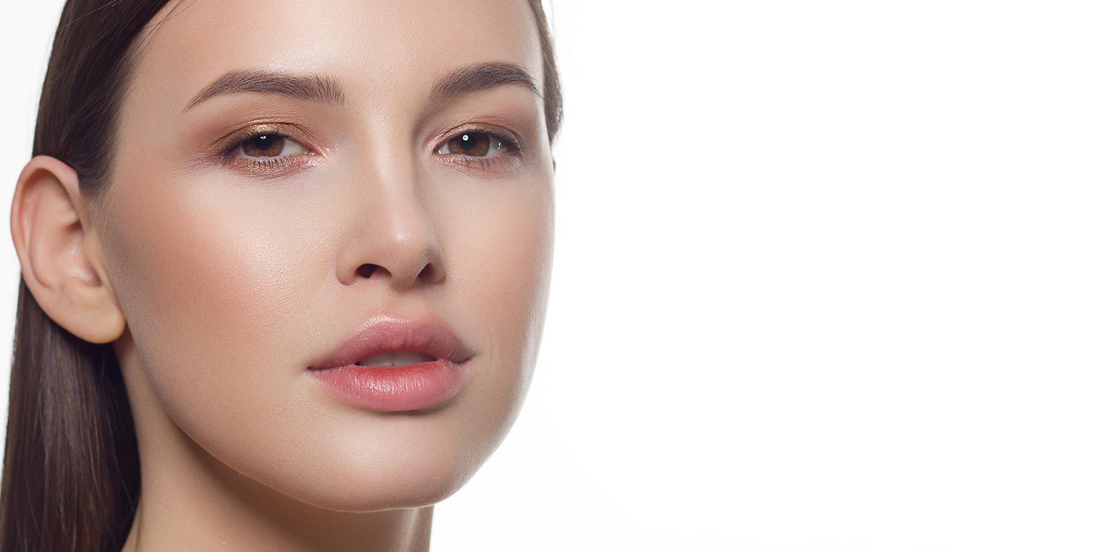 32 puissants conseils et astuces naturels pour une peau radieuse.